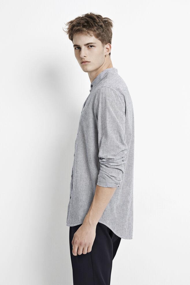 Liam EX 7646, D. SAPPHIRE ST