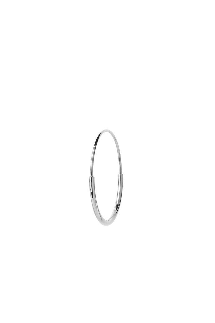 Delicate hoop 26 earring