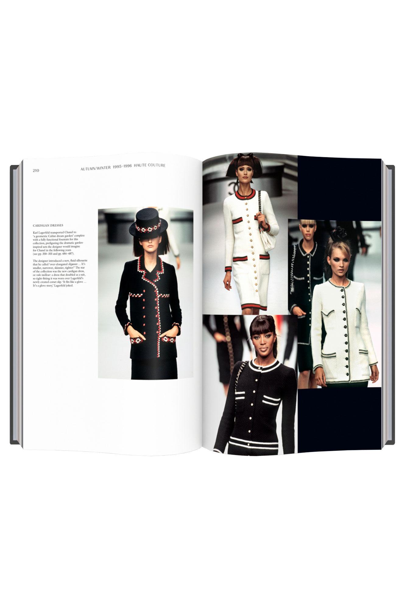 Chanel catwalk TH1010