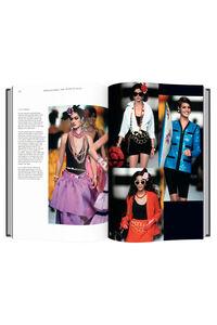 Chanel catwalk TH1010, MULTIPLE