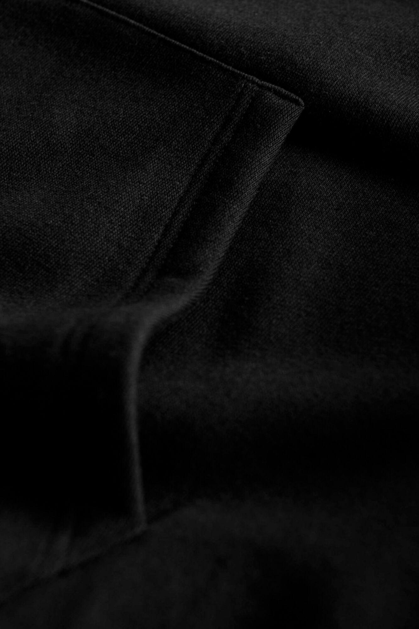 Ian Hoodie, BLACK