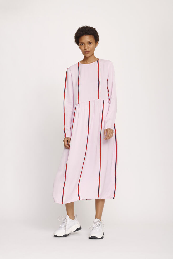 8dcd953511a0 Shop det store udvalg af tøj til kvinder fra Samsøe   Samsøe®.