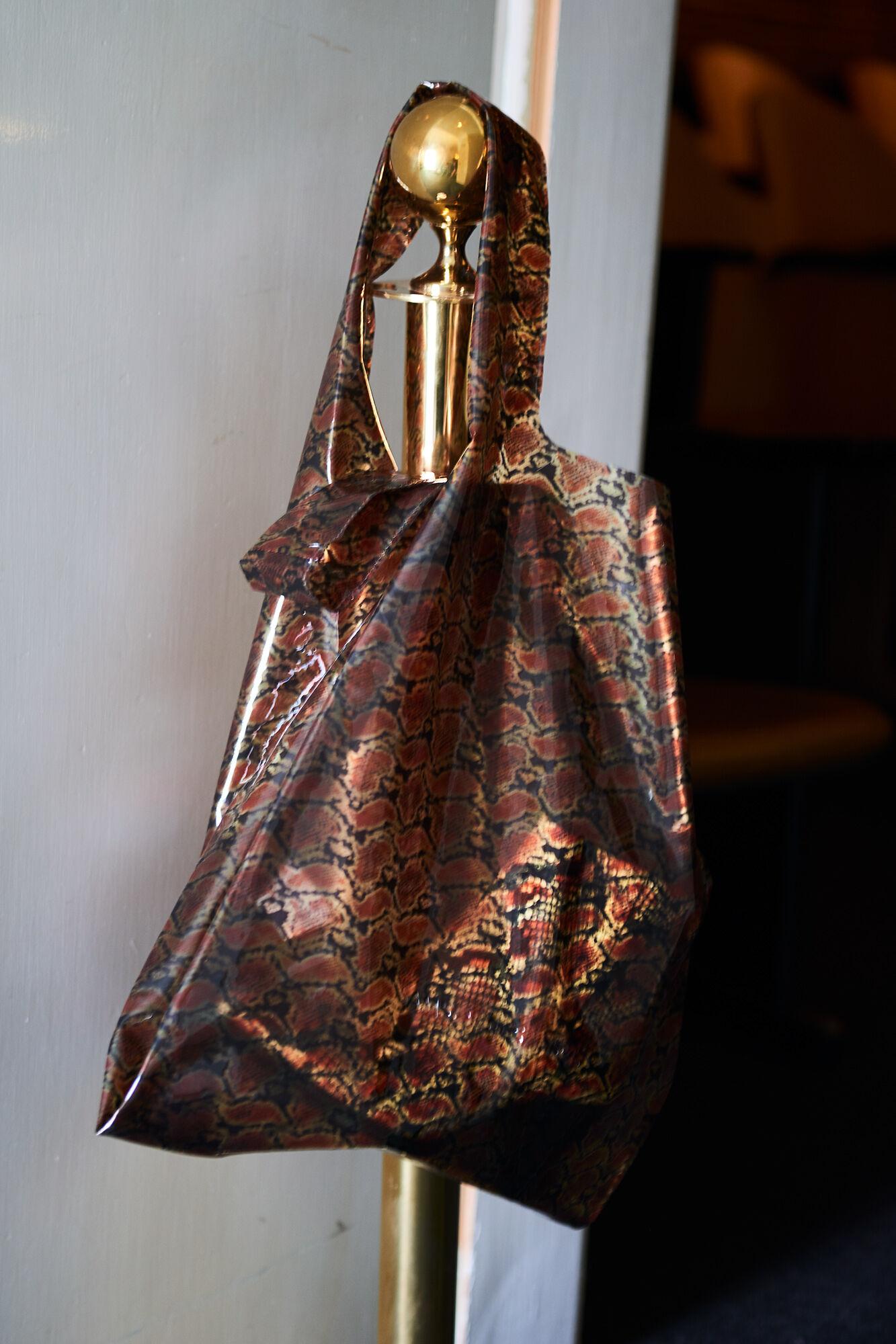 Bethel bag aop 10560