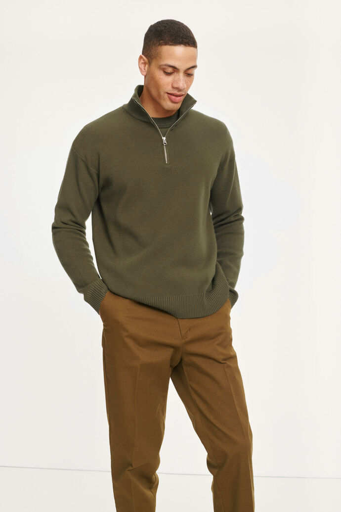 Guna turtle neck zip 10490