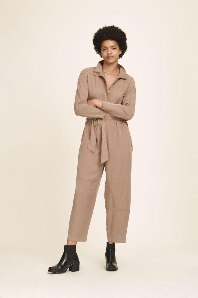 Shoppe stilvolle Kleider   Overalls für jede Saison   Samsøe   Samsøe 3c73c74d37
