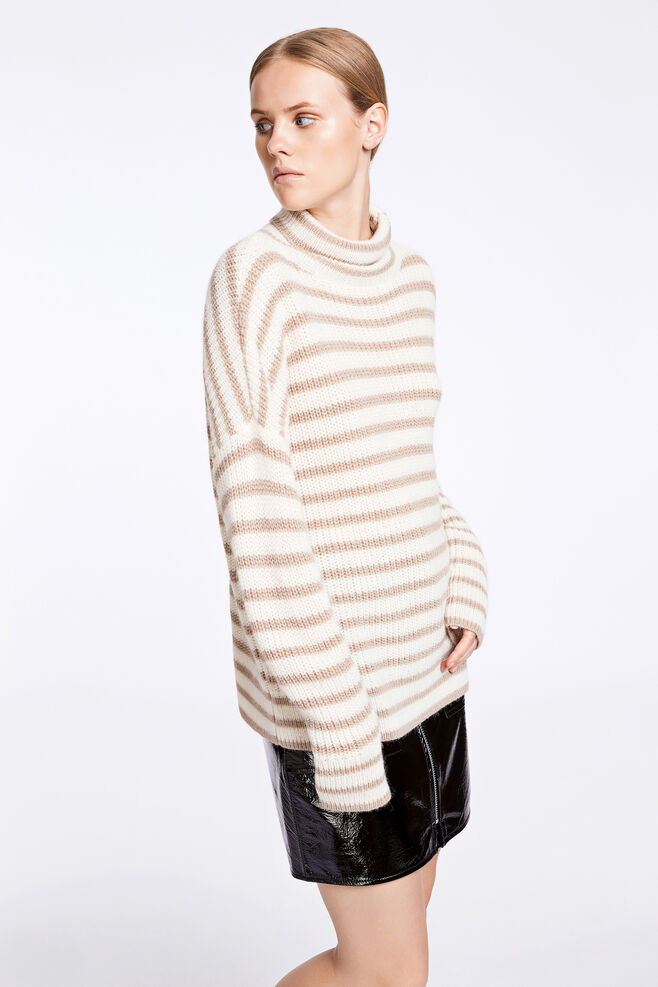 Hedvig t-n 7477, CREAM STRIPE
