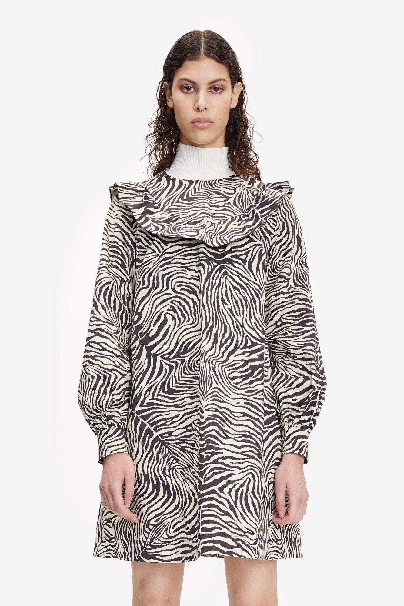 Odette dress aop 10783