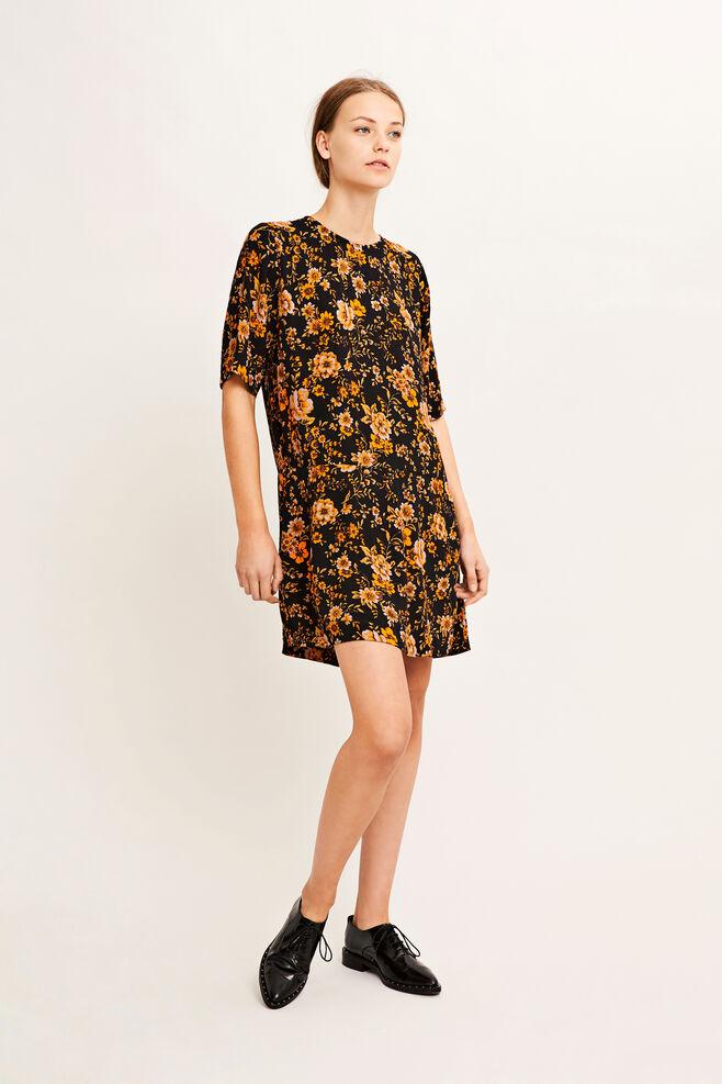 Dresses & Jumpsuits collection - The Women\'s Store   Samsøe & Samsøe®