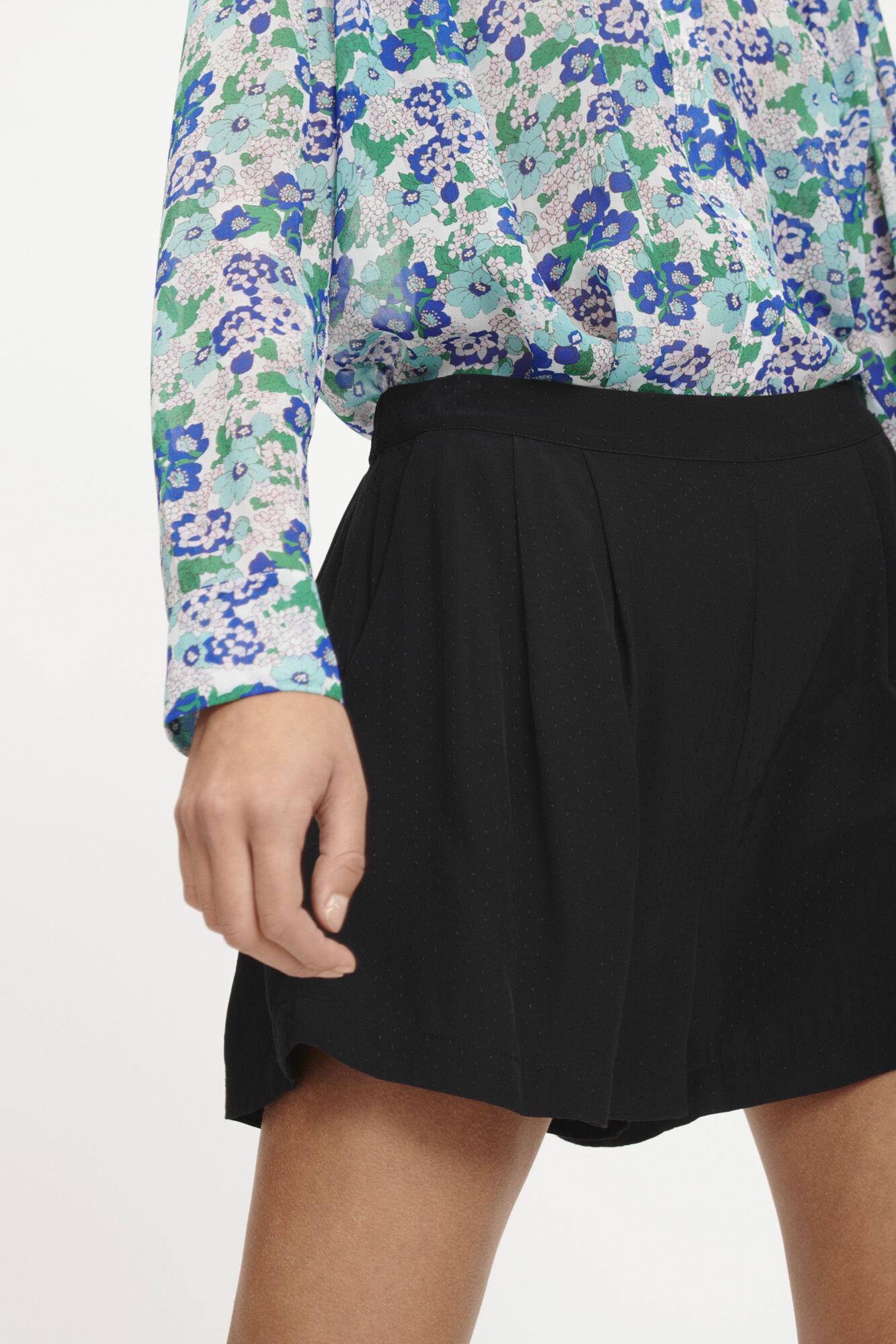 Ganda shorts 10458