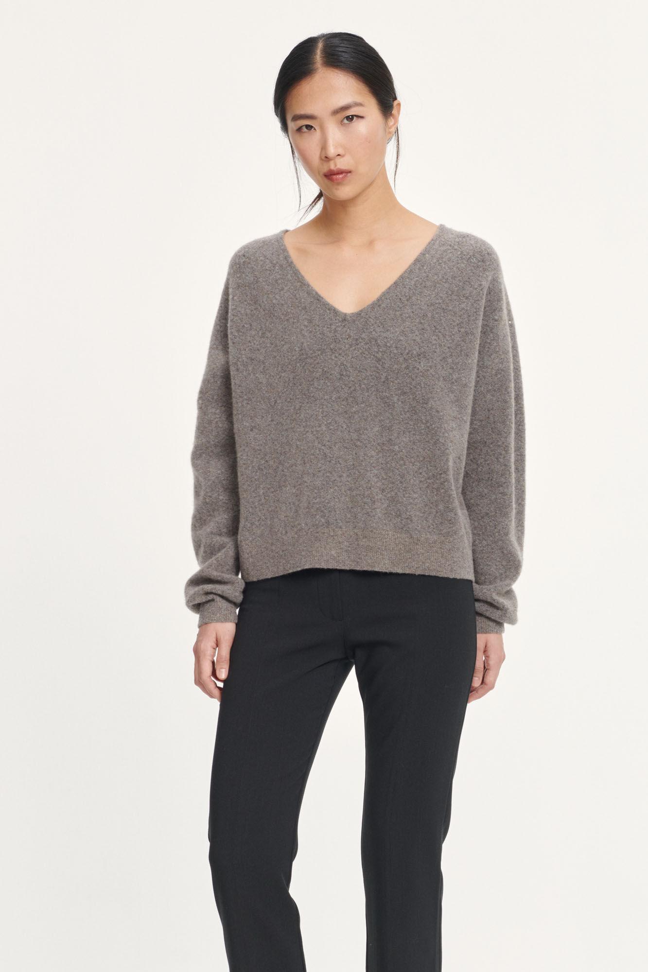 Frances v-neck 12756