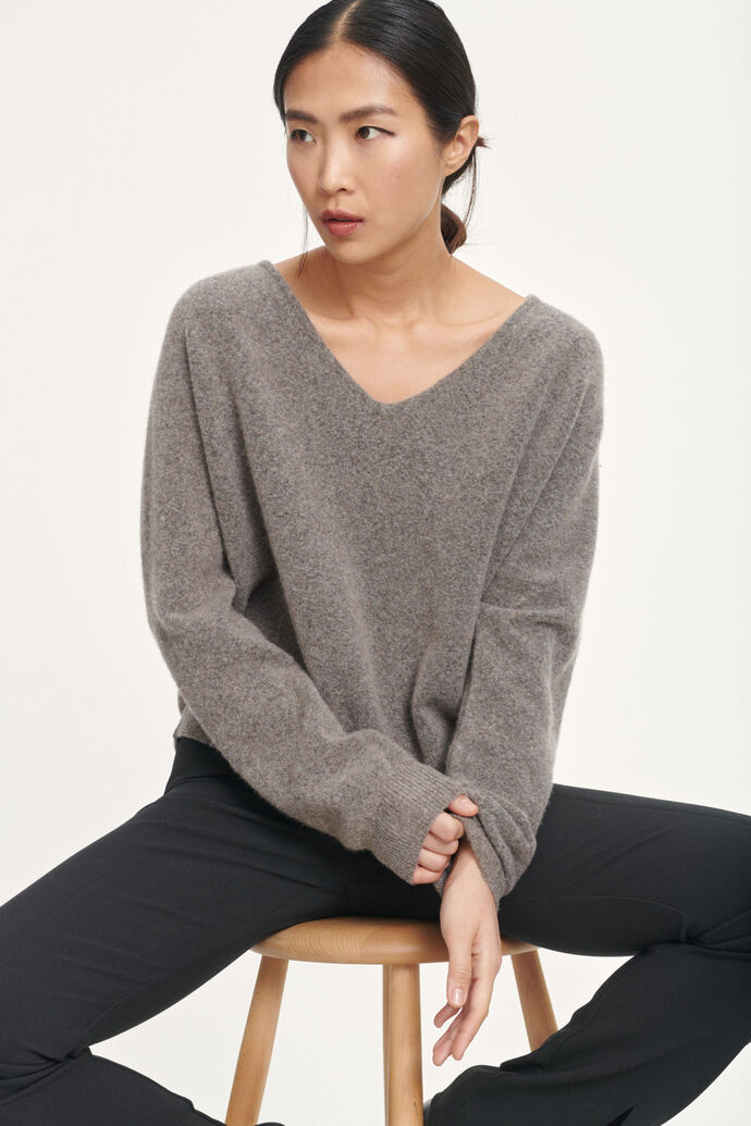 Frances v-neck 12756, WARM GREY MEL.