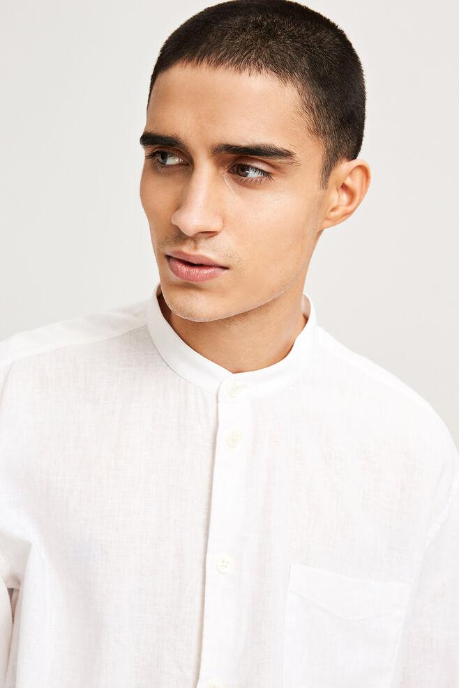 Liam EA 6971, WHITE