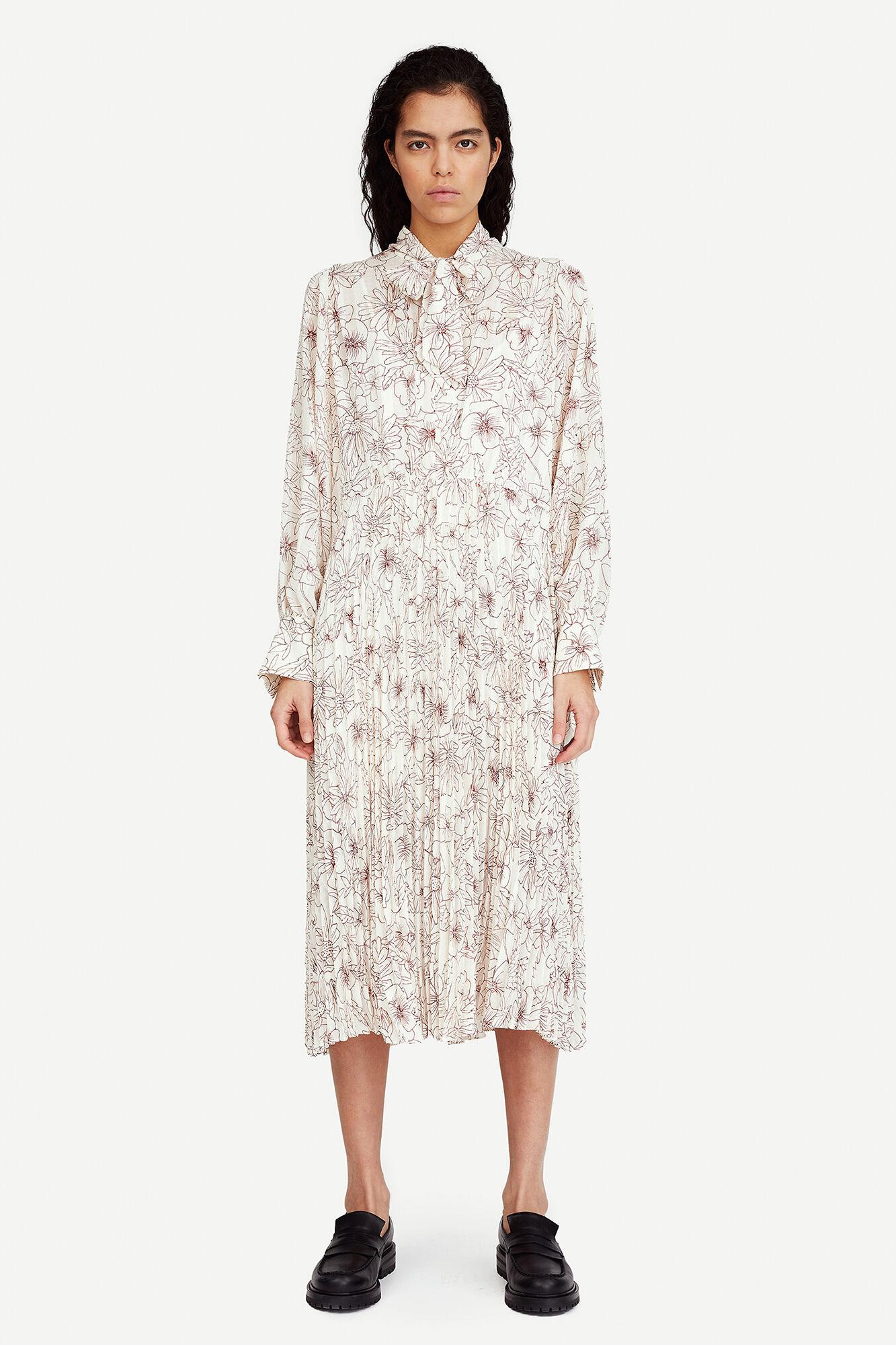 Dorothe dress aop 14018