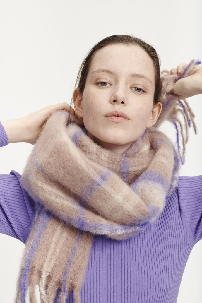 Minetta scarf slim ch. 10552