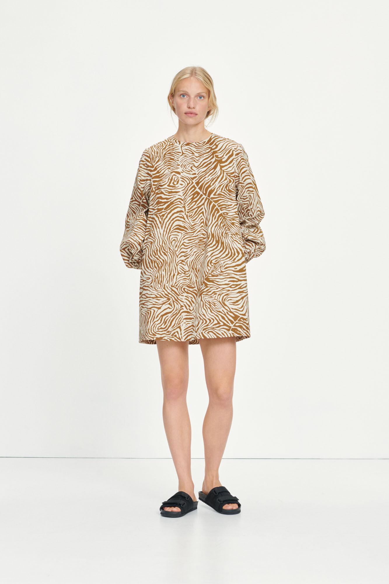 Aram short dress aop 10783
