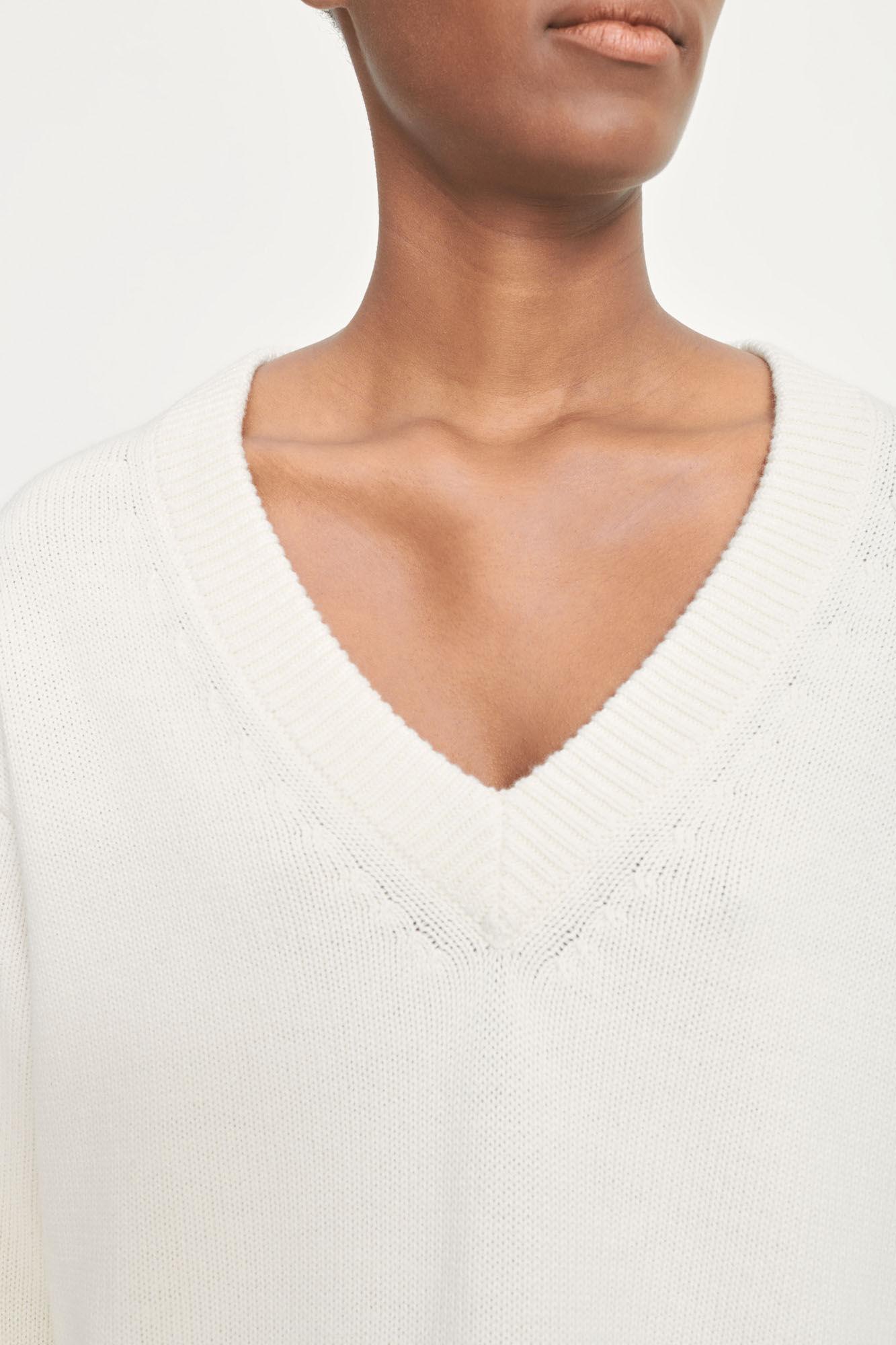 Hailey v-neck 12923