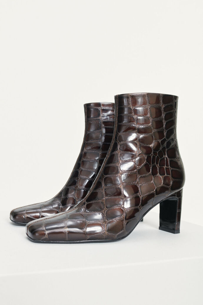 Kita boot 12992, BRANDY BROWN