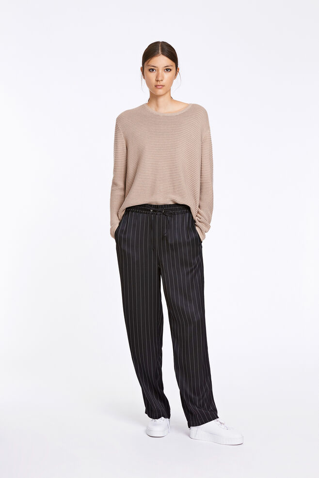 Bette pants 8315, BLACK PINSTRIPE
