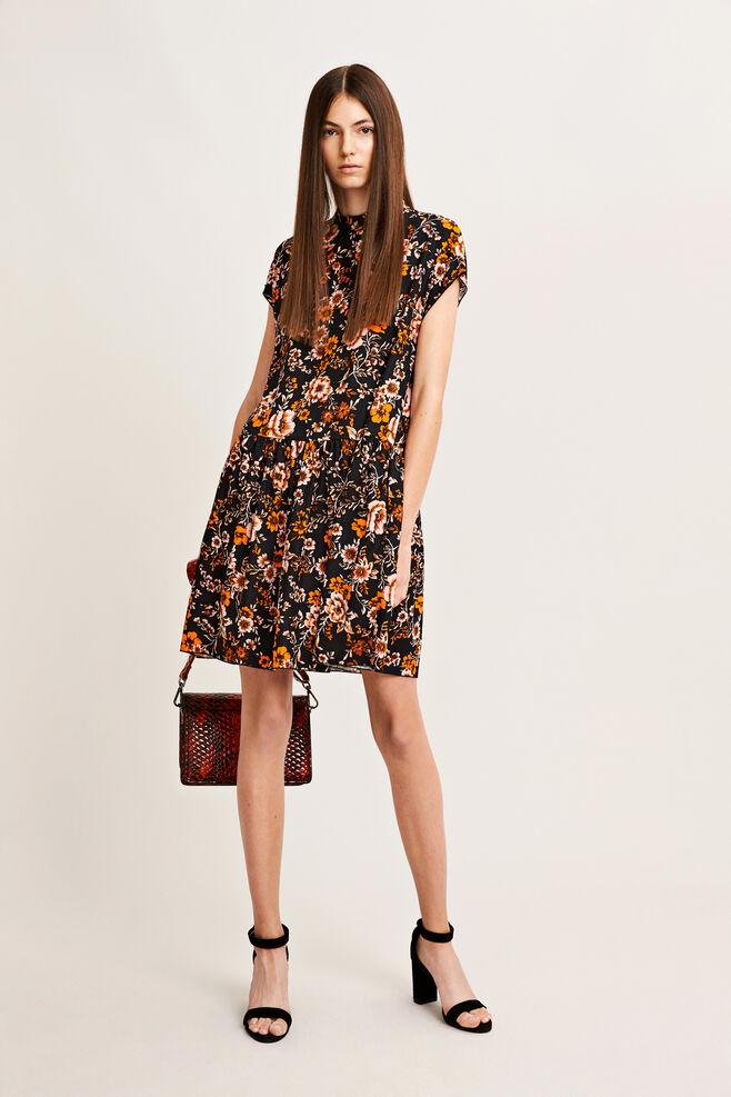 Jardin short dress aop 9710, BLACK BLOOM