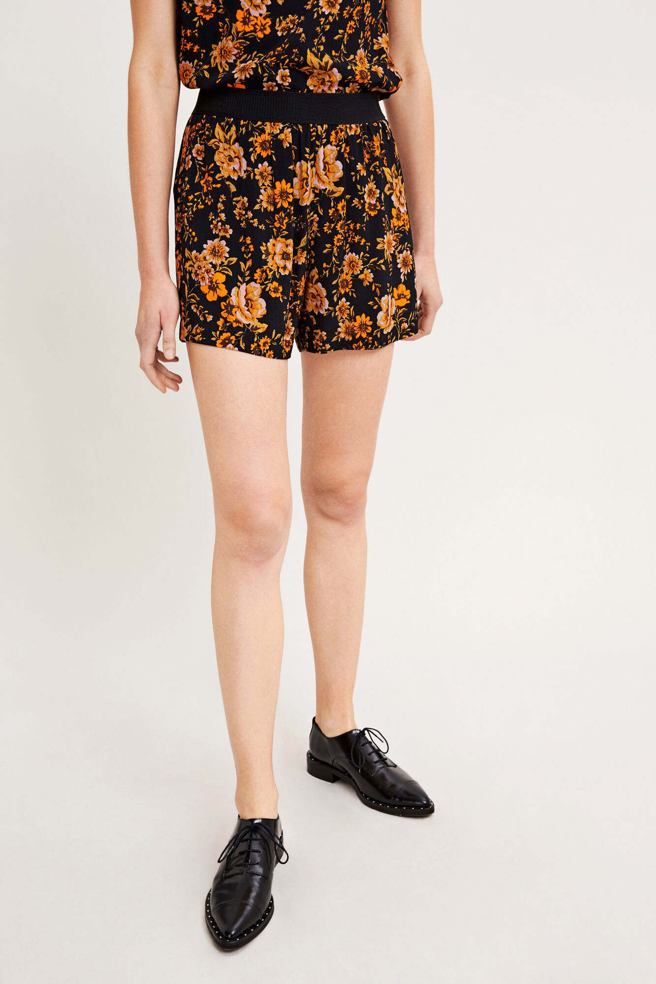 Nessie shorts aop 6515, BLACK BLOOM