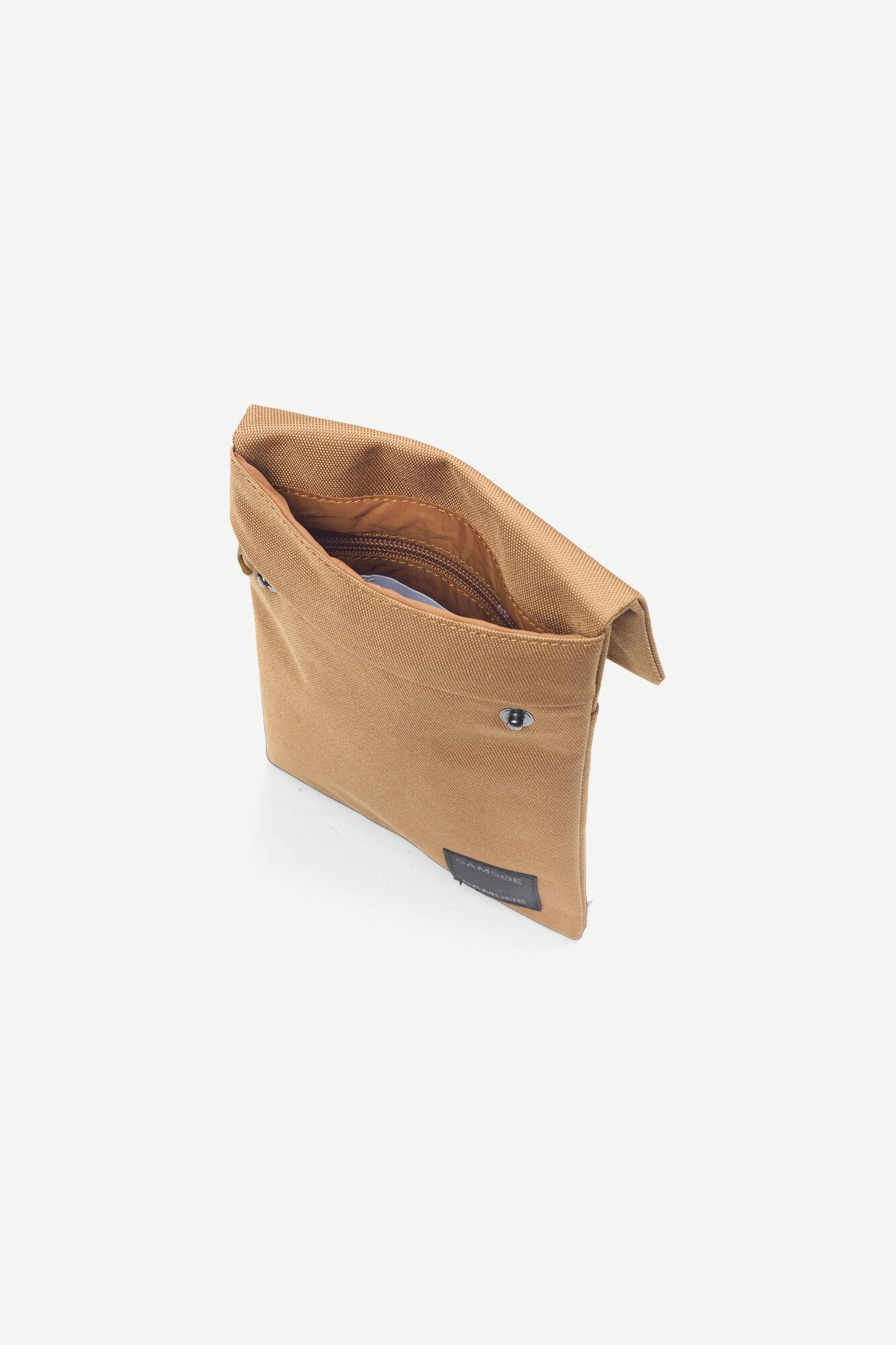 Cobett neck bag 9328